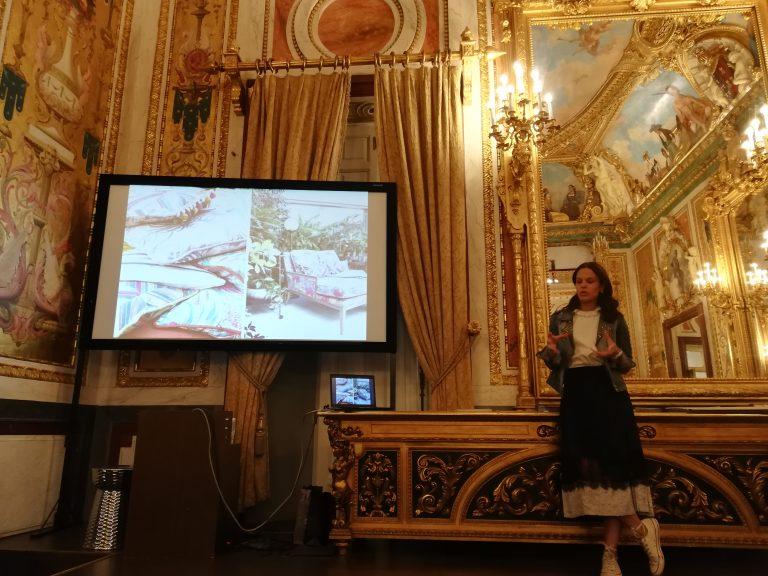 Charla sobre la importancia de los textiles y papeles en interiorismo