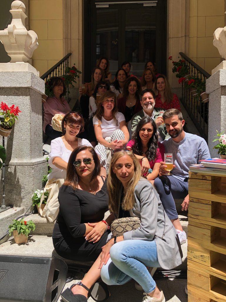 Los bloggers reunidos en el patio del Palacio Santoña. Fotografía de Richi Esquilas