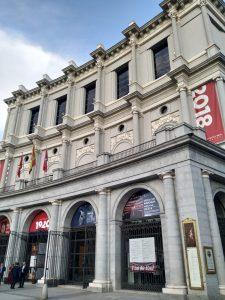 Entrada del Teatro Real
