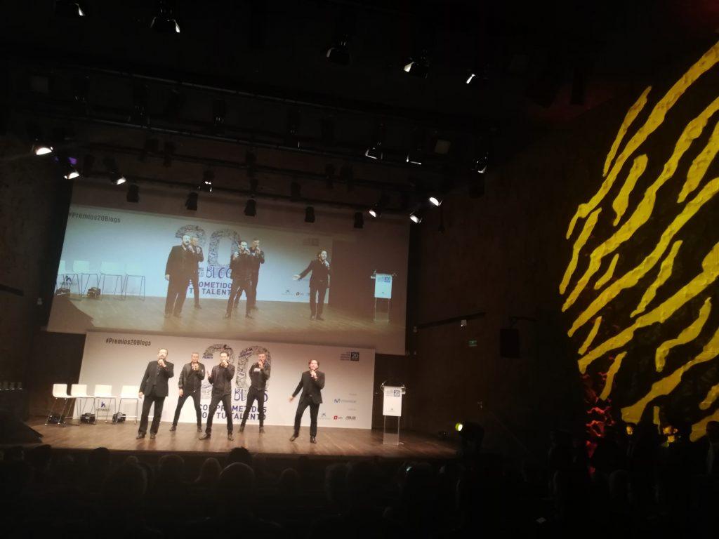 Actuación del grupo B-Vocal