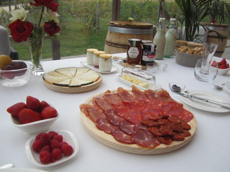 Espectacular desayuno en la finca de Arinzano