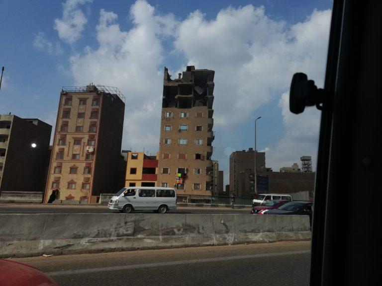 La contaminación y el tráfico es uno de los principales problemas en El Cairo
