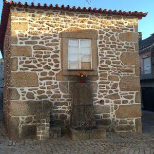 Casa en la aldea de Bemposta