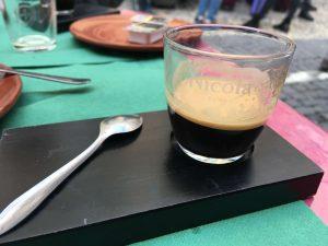 """Un café """"bica"""" en Lisboa"""