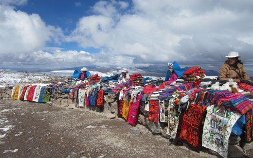 Mercado en la cordillera de los Andes