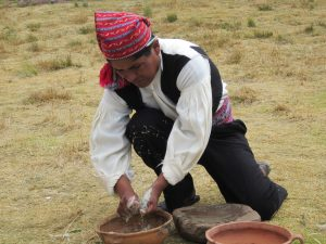 Cocinando junto al Lago Titicaca